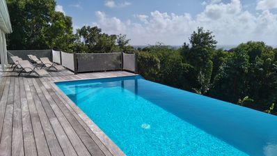 Photo for Beautiful villa typical of sea Antilles Caribbean / infinity pool