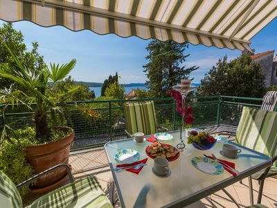 Photo for Cottage Crikvenica for 8 - 10 people with 4 bedrooms - cottage