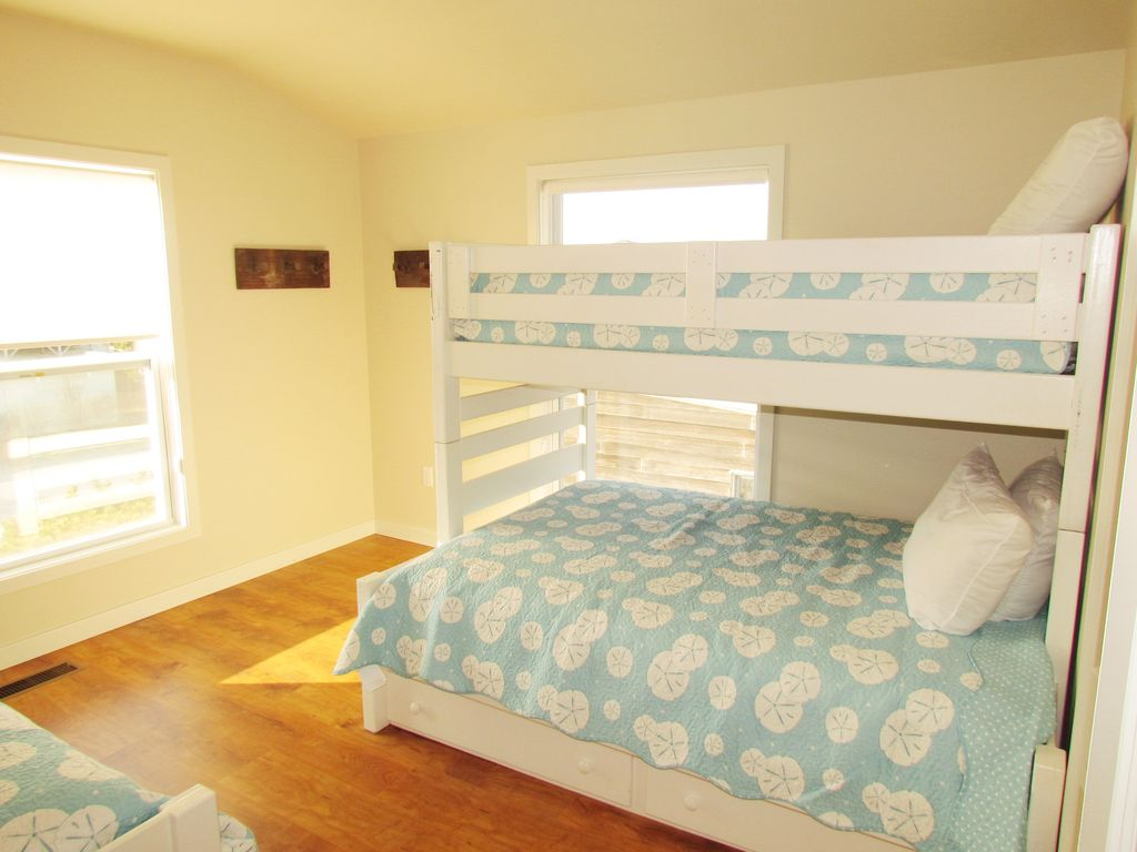 Oceanfront Renovated Home Dog Friendly Summer Still Available Weeks Bethany Beach