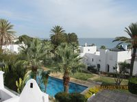 The property was all that it should have been. Pool and garden stunning, very close to beach