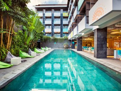 Photo for Cozy-Boutique Pool View-B'fast-10mn-Seminyak beach