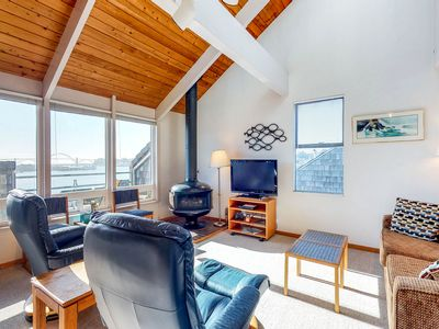Bayfront condo with great views, shared pool, hot tub, sauna, dock - dogs ok!
