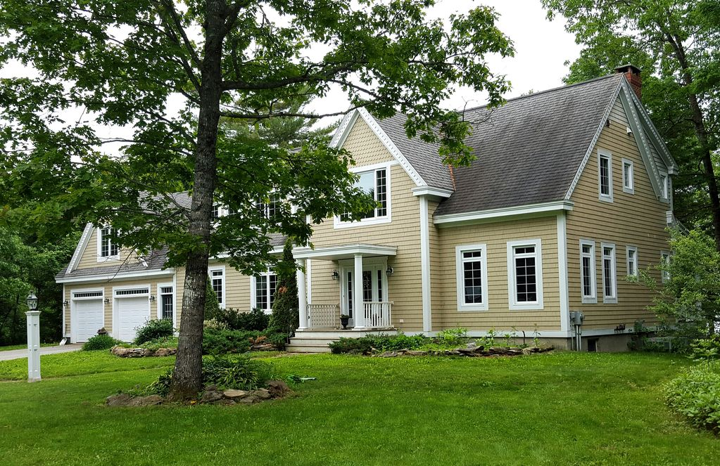 Waterfront 4 500 Sq Ft 4 Bedroom Home On Vrbo