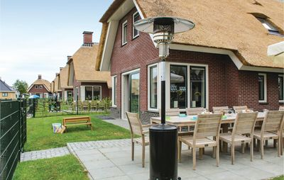 Photo for 5 bedroom accommodation in Idskenhuizen
