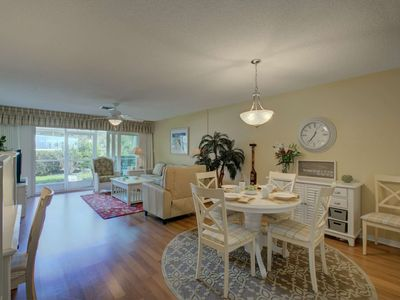 Photo for On St.Armand's Circle, Lido Key Beach, WiFi, Heated Community Pool, Screened Lanai, Covered Parking