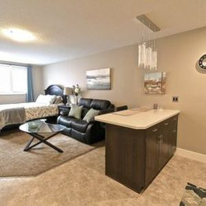 Photo for Beautiful Downtown Studio Suite