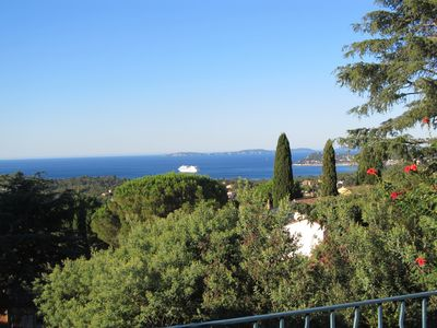 Photo for Villa Esperance: fantastic sea view, central and quiet