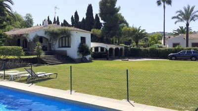 Photo for Villa with large garden and private pool in Urbanization of Tosalet.