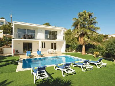 Photo for Comfortable villa with pool and barbecue ideal for relaxing, close to beach