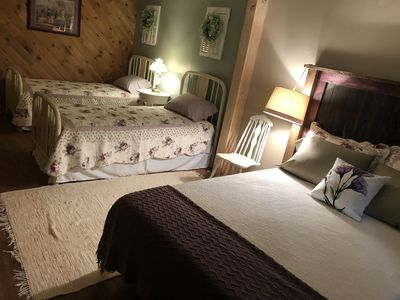 Cottage in the Woods - B&B Suite #1