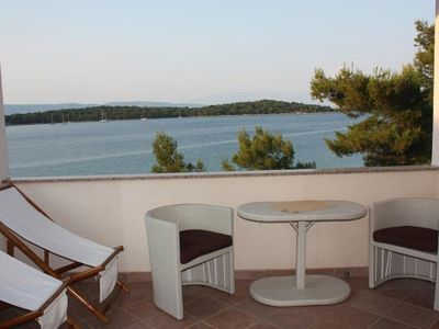 Photo for Apartment Niko  A5(2+1)  - Jelsa, Island Hvar, Croatia