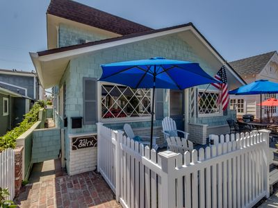 Photo for Bright and cheery with rooftop deck on Balboa Island , Perfect location!