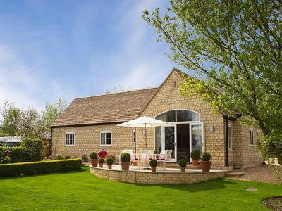 Photo for Luxury Cottage In Superb Location In The Heart Of The Cotswolds