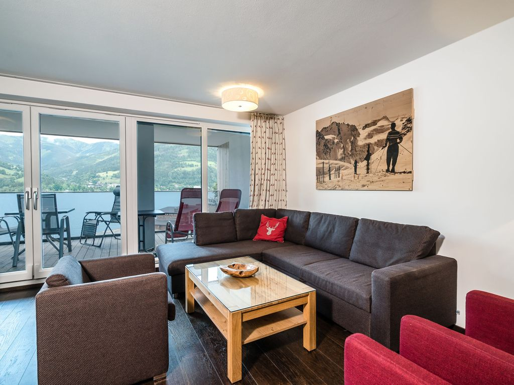 Mountain and Lake Twenty Two: High-quality, luxurious apartment with ...