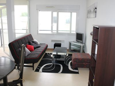 Photo for pleasant T2 particularly well located, near the old port, its towers, Wifi