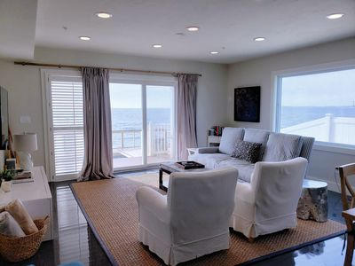 FREE Activities Everyday! Beachfront 2BD--Amazing Bay Views & Sunsets, A/C & Deck