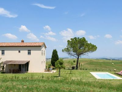 Photo for 2 bedroom Villa, sleeps 6 in Buonconvento with Pool, Air Con and WiFi