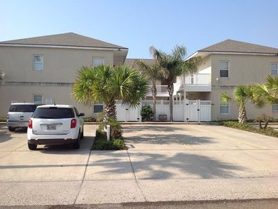 Photo for Second floor condo close to entertainment. Sleeps 7, 2 bedrooms, 2 baths. Shared pool & jacuzzi