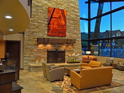 Photo for 6bd/6bth Penthouse! 2 hot tubs, pool table, mtn views, great location!