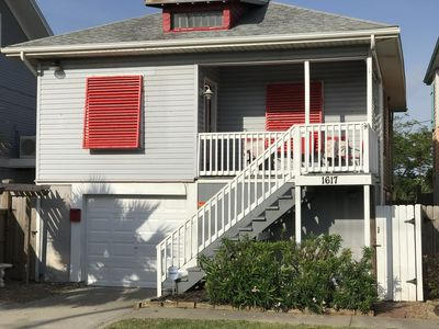 Best Seawall cottage! All amenities! Bring your dog! Enjoy the Gulf View!