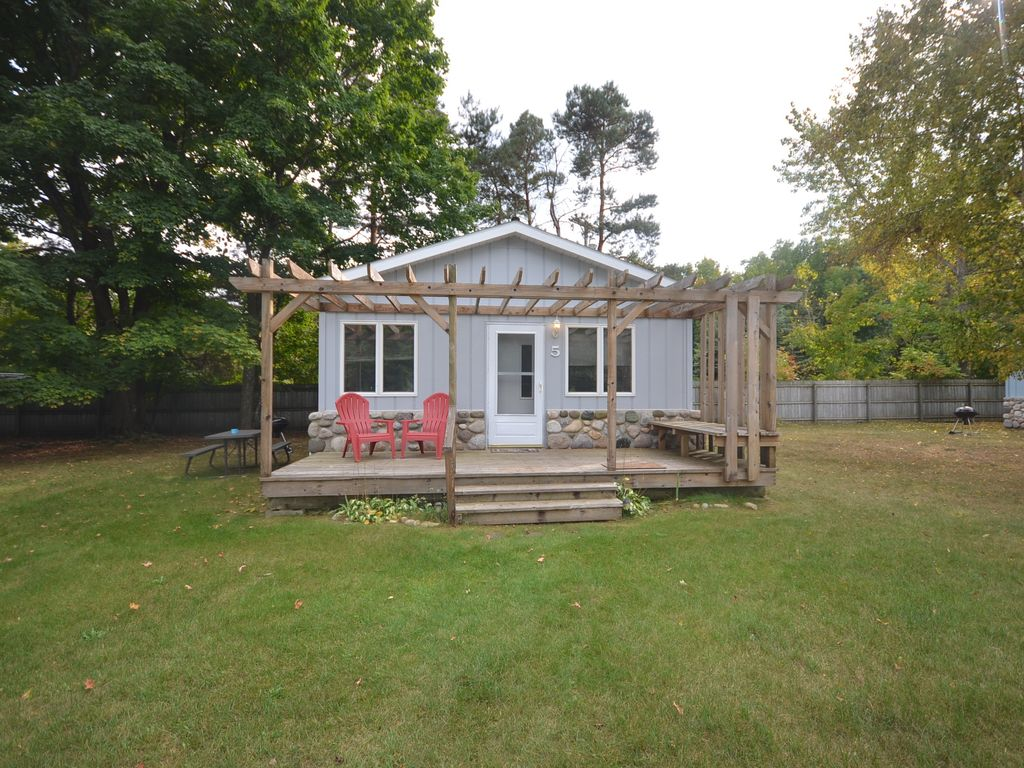 Northport Waterfront Cabin West Bay Near Omena Pet Ok