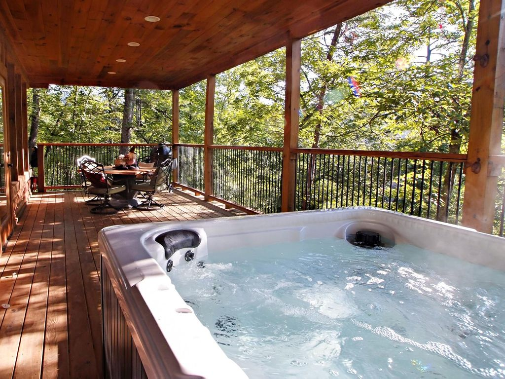 Cabin With Hot Tub Game Room Fireplaces Jacuzzi Hot