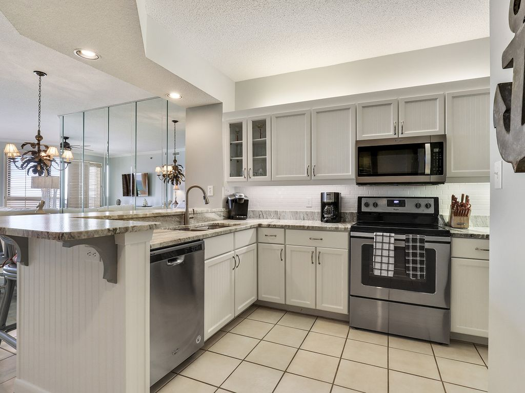 904W - Completely Updated and Redecorated January 2018!!!