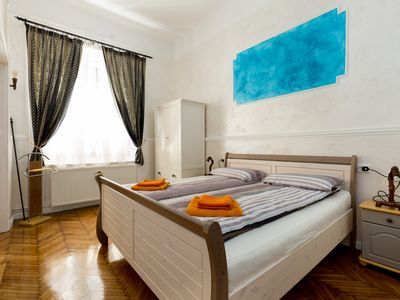 Photo for 1BR Apartment Vacation Rental in Budapest, Ungheria
