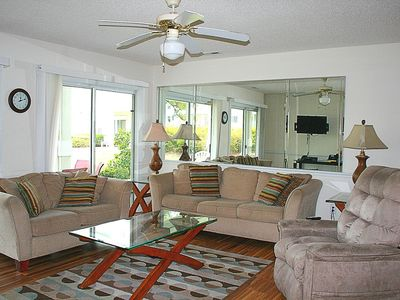 Photo for Family Friendly 2 bedroom, 2 bath, with 27 holes of golf available, great resort amenities(1202)