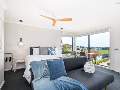 Photo for Deluxe Seaview Suite - King bed with en-suite and sensational ocean views