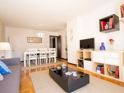 Photo for Charming 3 Bedroom Apartment
