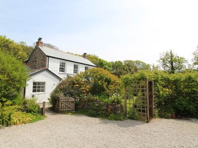 Photo for THE FARMHOUSE, family friendly, with open fire in Coverack, Ref 30447
