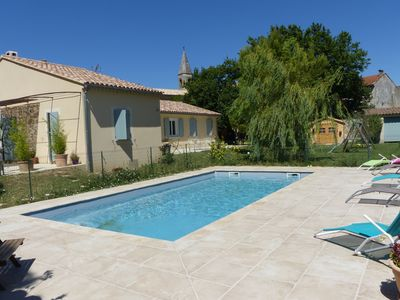 Photo for Family house in Provence, 150 m2, swimming pool and air conditioning