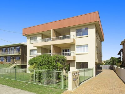 Photo for MARINE COURT KINGSCLIFF