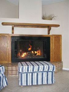 Cozy Gas Fireplace , nice all year round