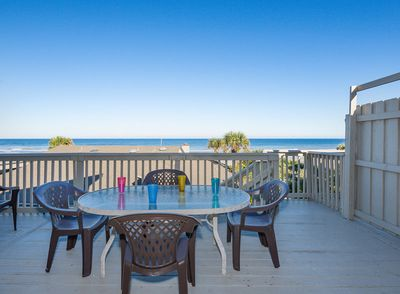 Walk out the sliders and enjoy your BEACH DAZE with views of the ocean while relaxing on the sun deck!
