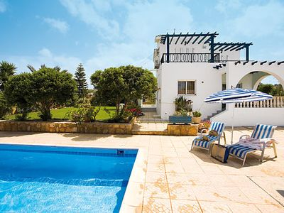 Photo for Relaxing Villa w/pool and a/c & en suites in all bedrooms