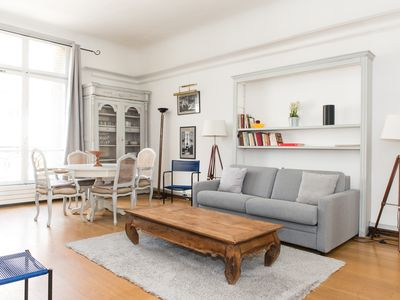 Photo for Cosy apartment for 4 with elevator, ideally situated on the Champs Elysées