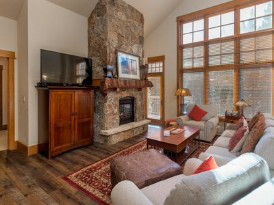 Photo for Ski-In/Ski-Out, Spacious 3-Bedroom Penthouse, Up-close Slope Views, Free WIFI