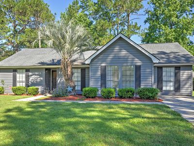 Photo for Spacious Savannah House - 10 Minutes to Downtown!