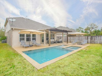 Photo for Newly furnished w/ beautiful pool and BBQ terrace!