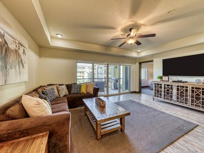 Photo for Beautiful contemporary condo with shared pool, hot tub, and tennis!