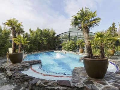 Photo for Nice apartment for 5 people with WIFI, pool, TV, pets allowed and parking