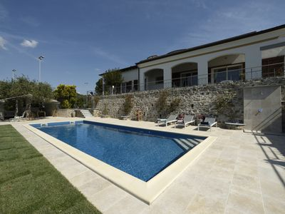 Photo for Luxury villa with pool and tennis court, 360 degree sea view