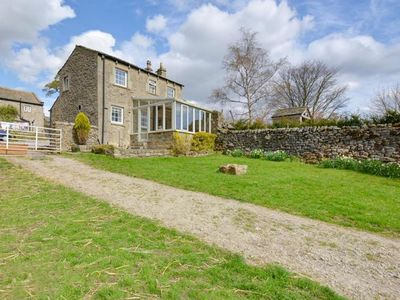Photo for Spacious Holiday Home with Conservatory in Yorkshire