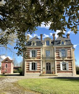 Photo for Mansion in the Landes. The perfect place to unwind.