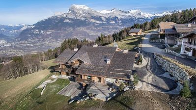 Photo for Chalet James Have a LuxVacation