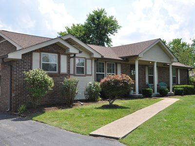 Clean and cozy Nashville home only 7 miles from downtown