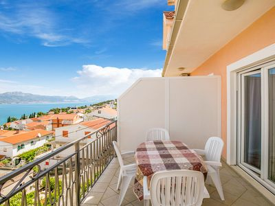 Photo for Sea-view Apartment in Mastrinka - Trogir with Balcony