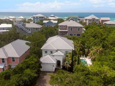 Photo for Sunshine Getaway - Gulf View, Free Beach Service, Private Pool, Bikes, Grill!